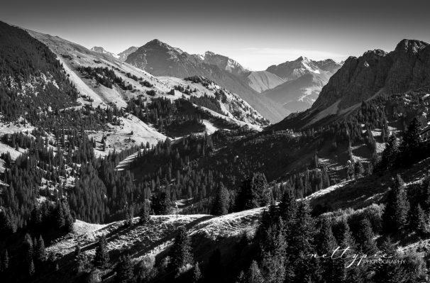 Berge schwarz-weiß